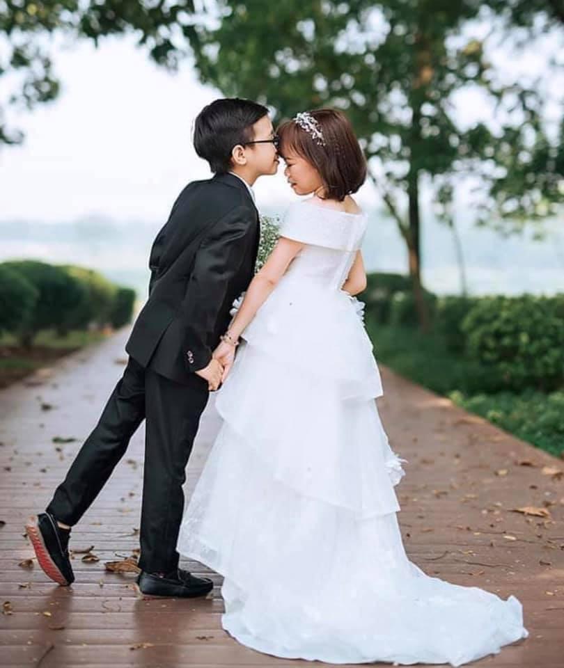 Ảnh cưới của chàng tý hon và cô giáo 1,2m gây sốt cộng đồng mạng Ảnh 7