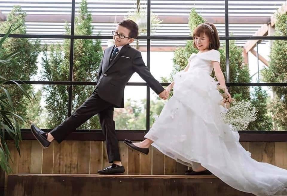 Ảnh cưới của chàng tý hon và cô giáo 1,2m gây sốt cộng đồng mạng Ảnh 1