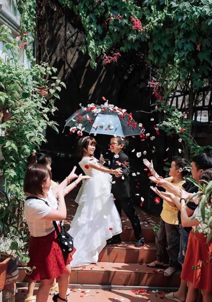 Ảnh cưới của chàng tý hon và cô giáo 1,2m gây sốt cộng đồng mạng Ảnh 8
