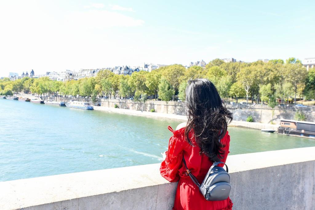 9X thực hiện giấc mơ Paris trong chuyến đi mùa thu Ảnh 6