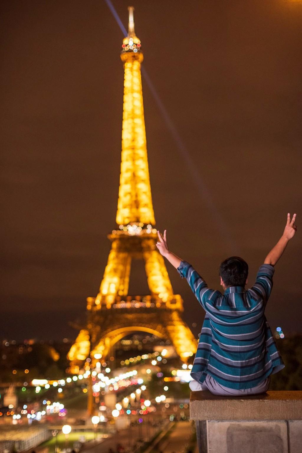 9X thực hiện giấc mơ Paris trong chuyến đi mùa thu Ảnh 2