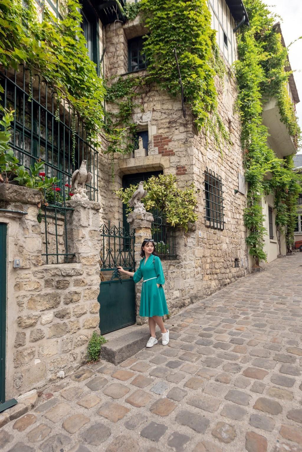 9X thực hiện giấc mơ Paris trong chuyến đi mùa thu Ảnh 5