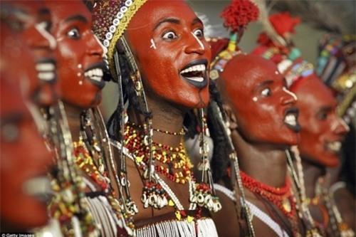 Những bộ tộc có tập tục 'quan hệ' kỳ quặc nhất thế giới Ảnh 7