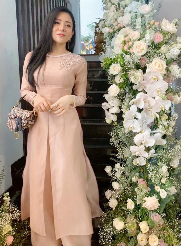 Em gái Ông Cao Thắng mặc sexy, chịu chơi hàng hiệu Ảnh 1