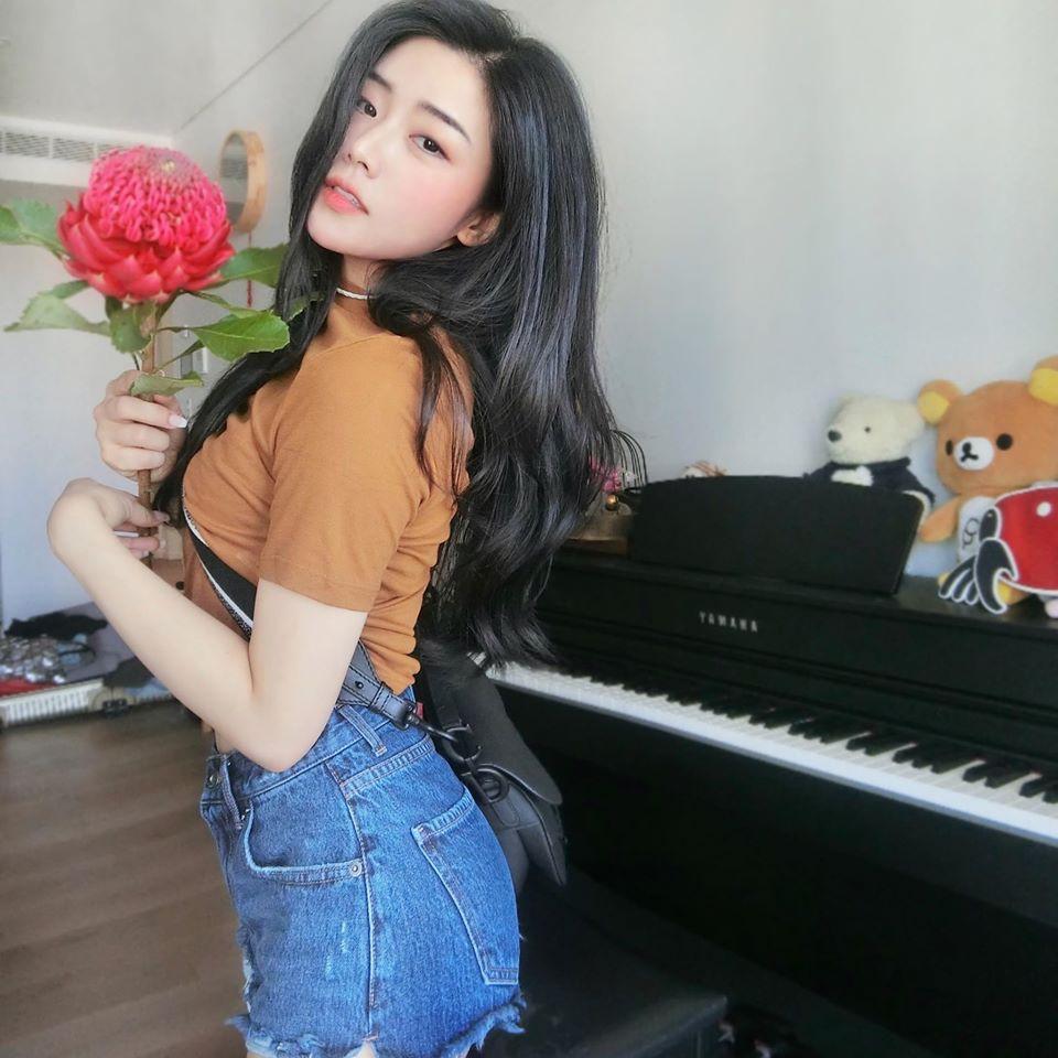 Em gái Ông Cao Thắng mặc sexy, chịu chơi hàng hiệu Ảnh 12