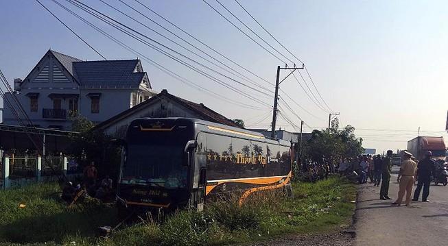 Xe giường nằm ủi nhiều xe máy ở Bình Thuận Ảnh 1