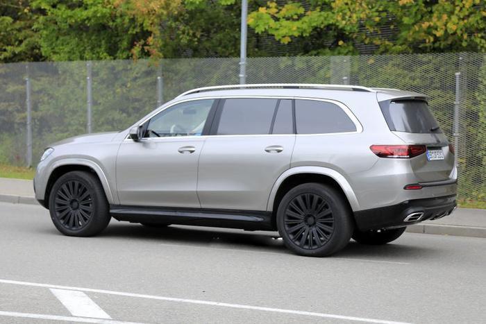 SUV Mercedes-Maybach chính thức lộ diện Ảnh 5