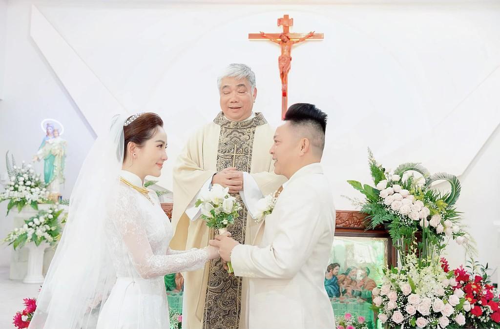 'Đời người tan hợp nhưng kết hôn trong nhà thờ chỉ một lần duy nhất' Ảnh 1