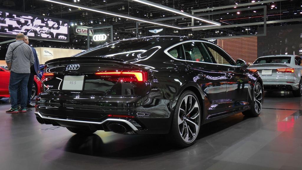 Audi RS 5 mới gây ấn tượng với phiên bản Báo Đen Ảnh 2