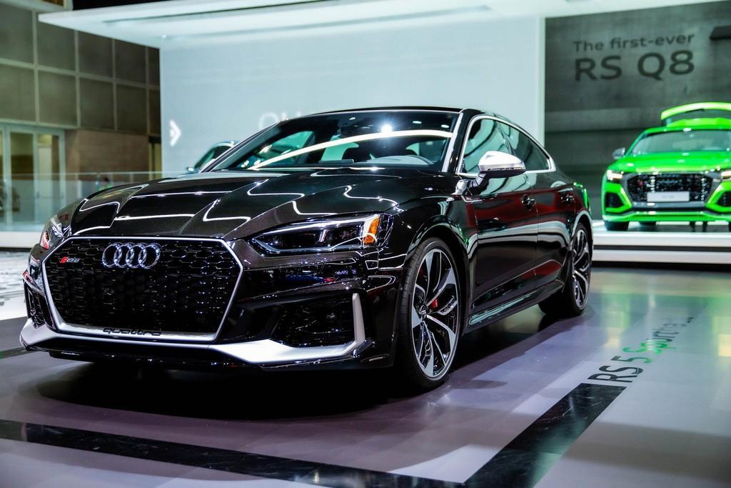 Audi RS 5 mới gây ấn tượng với phiên bản Báo Đen Ảnh 1
