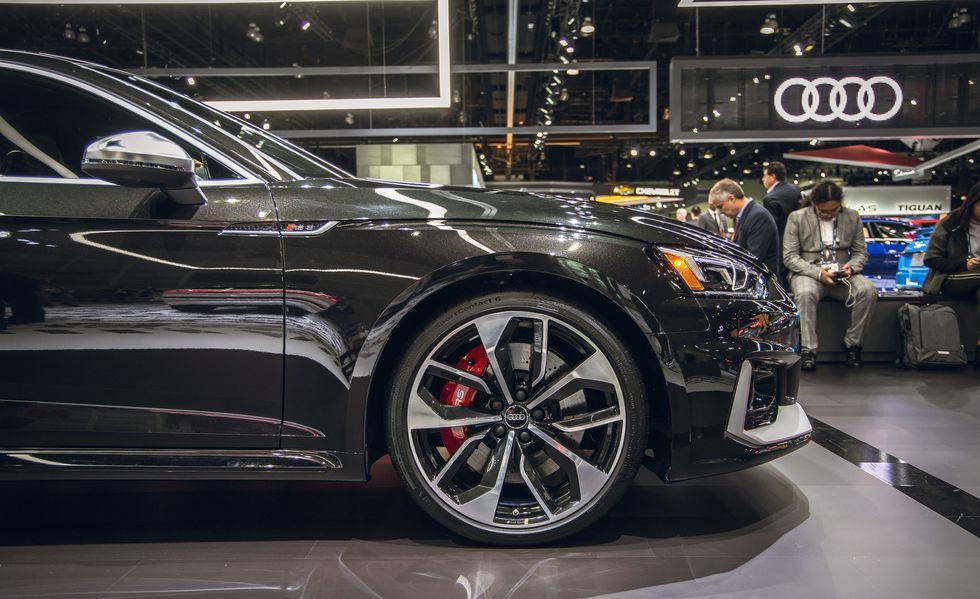Audi RS 5 mới gây ấn tượng với phiên bản Báo Đen Ảnh 6