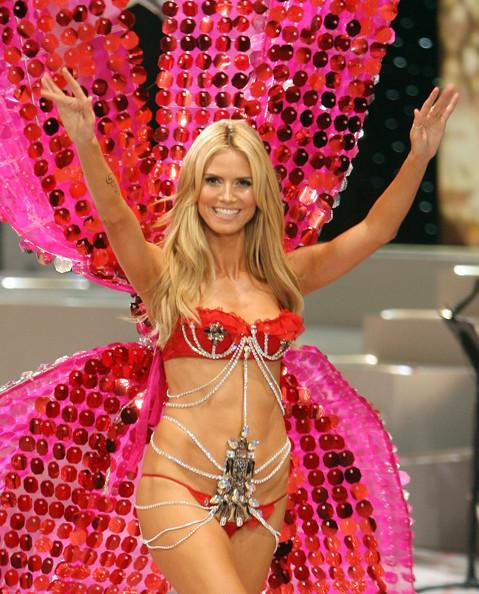 Dàn thiên thần nội y nóng bỏng nhất trong lịch sử Victoria's Secret Ảnh 1