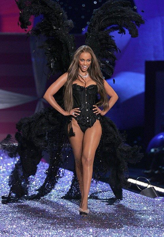 Dàn thiên thần nội y nóng bỏng nhất trong lịch sử Victoria's Secret Ảnh 2
