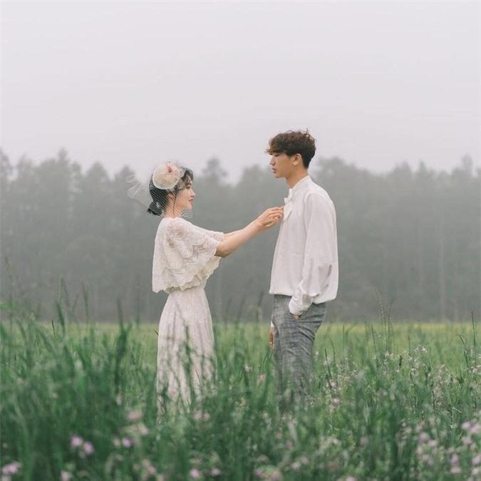 Bởi người đúng thường hay đến muộn, nên mong phụ nữ vẫn giữ vững niềm tin vào tình yêu Ảnh 2