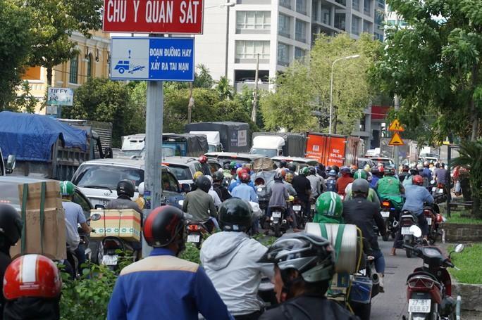 Cấm xe nhiều tuyến đường khu trung tâm TP HCM Ảnh 1