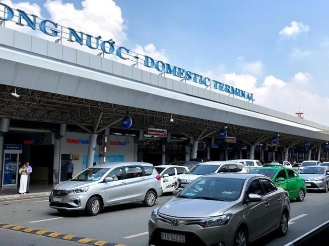 Hàng loạt tài xế bị tước bằng lái tại sân bay Tân Sơn Nhất Ảnh 1