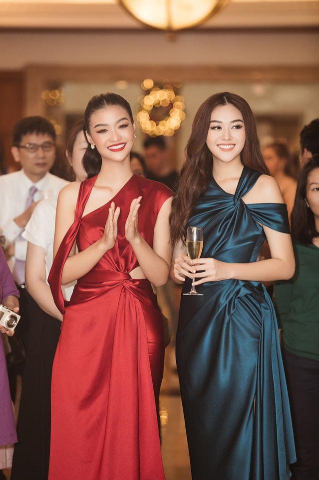 Á hậu Tường San, Kiều Loan đón Giáng sinh sớm với váy áo gam màu nóng bỏng Ảnh 4