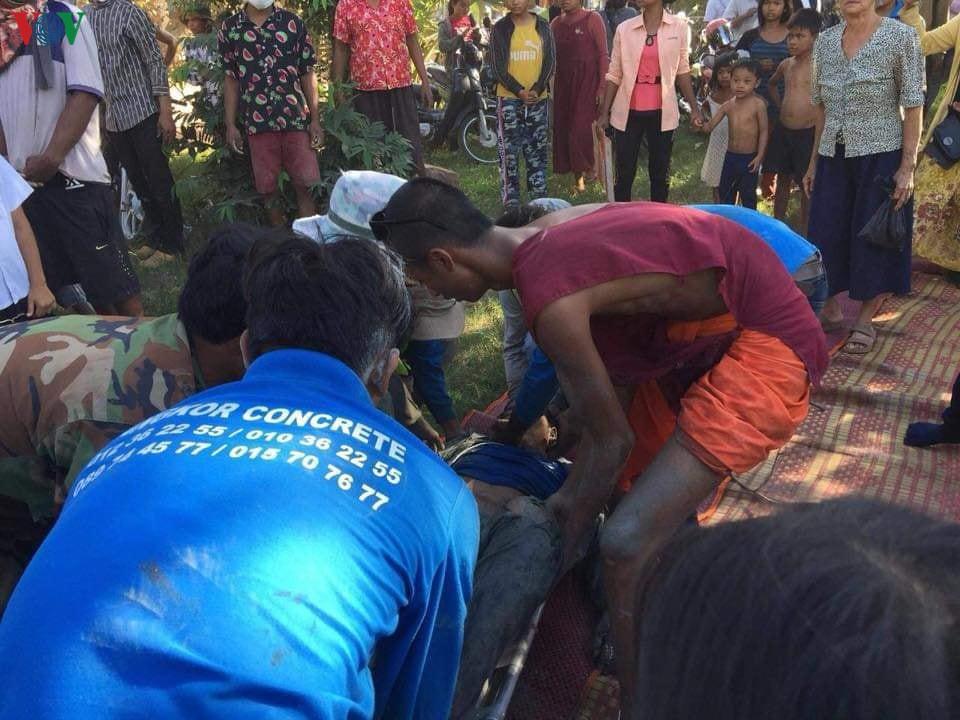 Sập chùa ở Campuchia làm 3 người chết và hàng chục người bị vùi lấp Ảnh 1