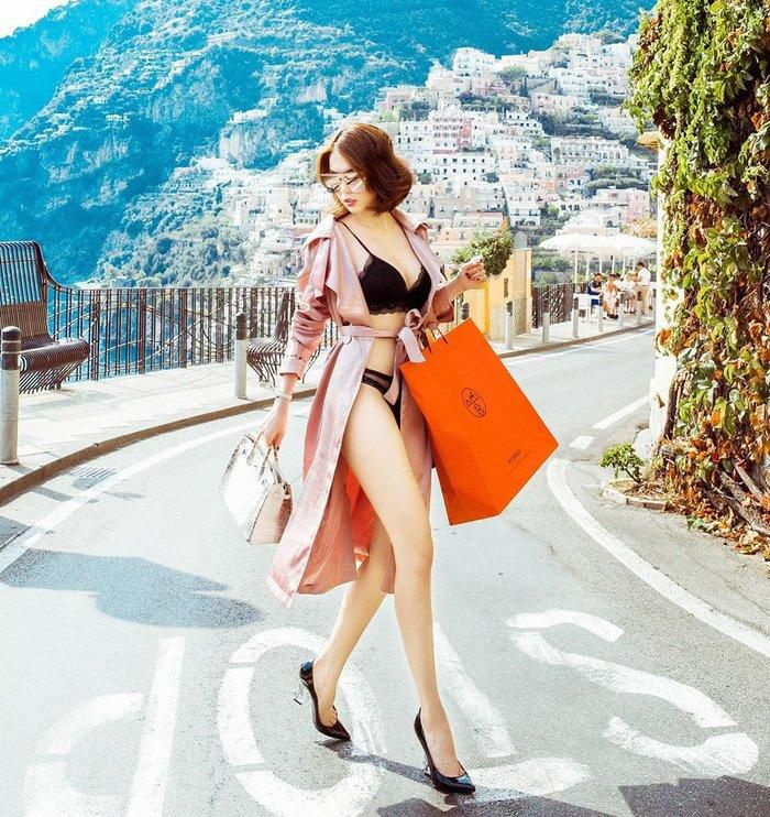 Eo thắt siêu nhỏ, Ngọc Trinh tiếp tục 'đốt mắt' fan với mẫu bikini nhìn đã thấy khó mặc Ảnh 4