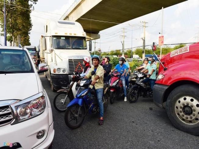 2 phương án gỡ vướng giao thông đường nối ra xa lộ Hà Nội Ảnh 1