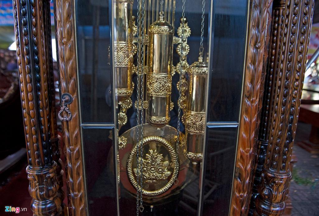 Những chiếc đồng hồ gỗ từ Đức giá hàng trăm triệu đồng Ảnh 4