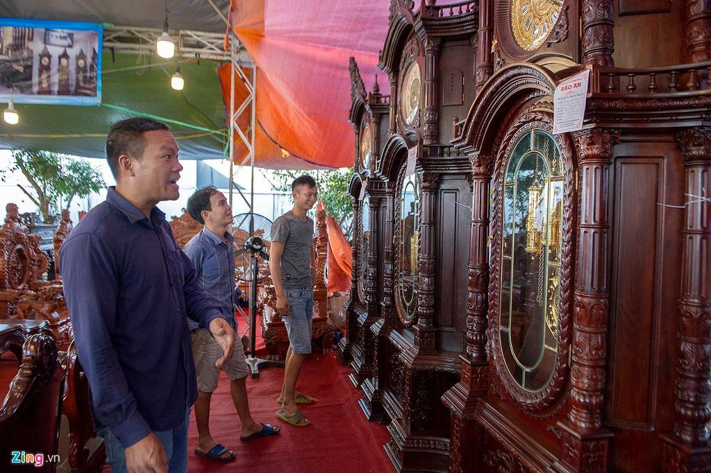 Những chiếc đồng hồ gỗ từ Đức giá hàng trăm triệu đồng Ảnh 14