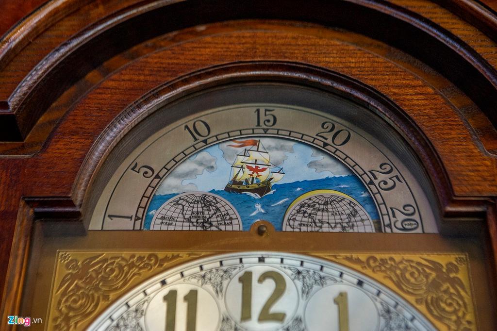 Những chiếc đồng hồ gỗ từ Đức giá hàng trăm triệu đồng Ảnh 3