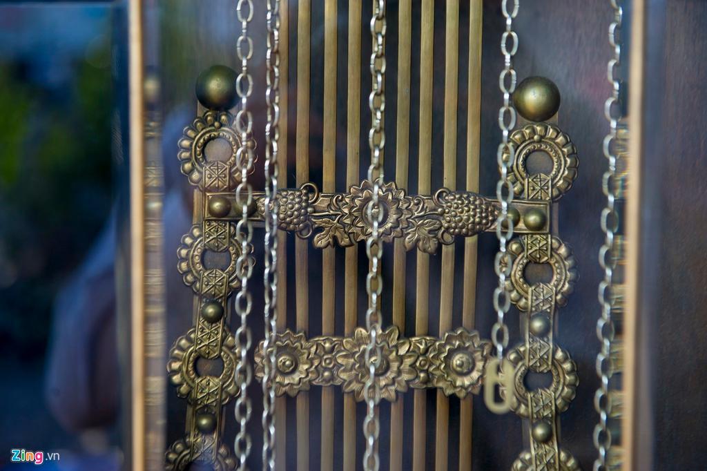 Những chiếc đồng hồ gỗ từ Đức giá hàng trăm triệu đồng Ảnh 8