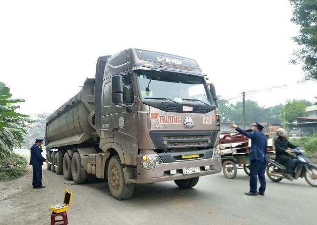 Tăng cường kiểm tra đột xuất trọng tải xe trên Quốc lộ Ảnh 1