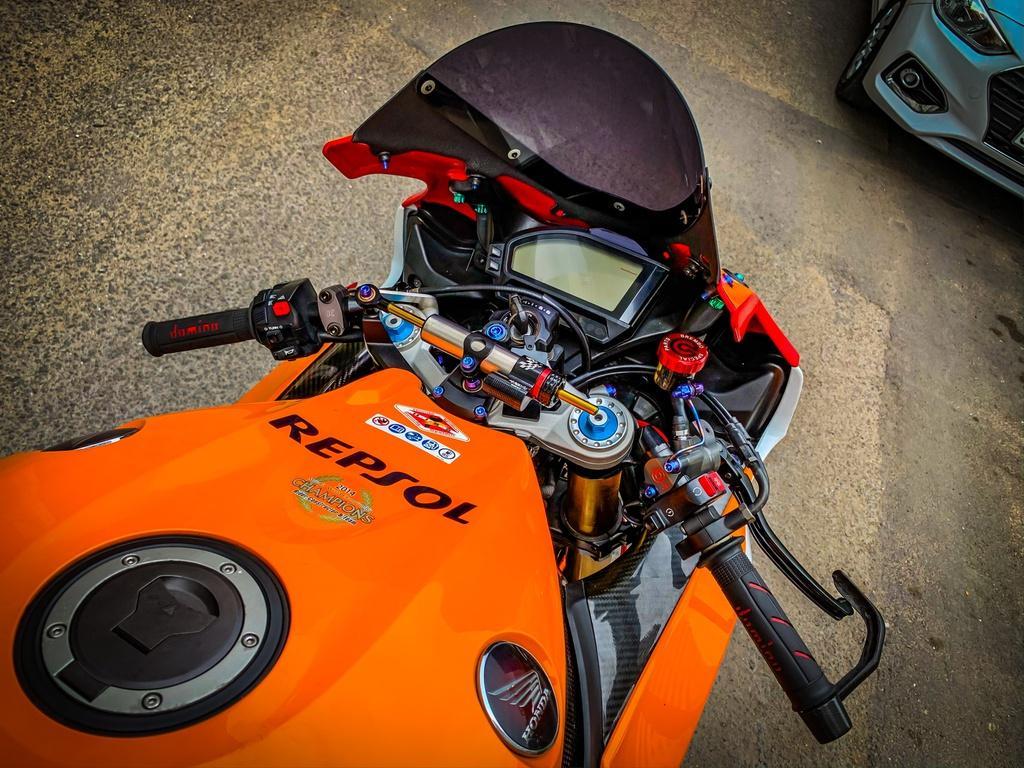Honda CBR1000RR lột xác với trang bị thửa từ xe đua MotoGP Ảnh 3
