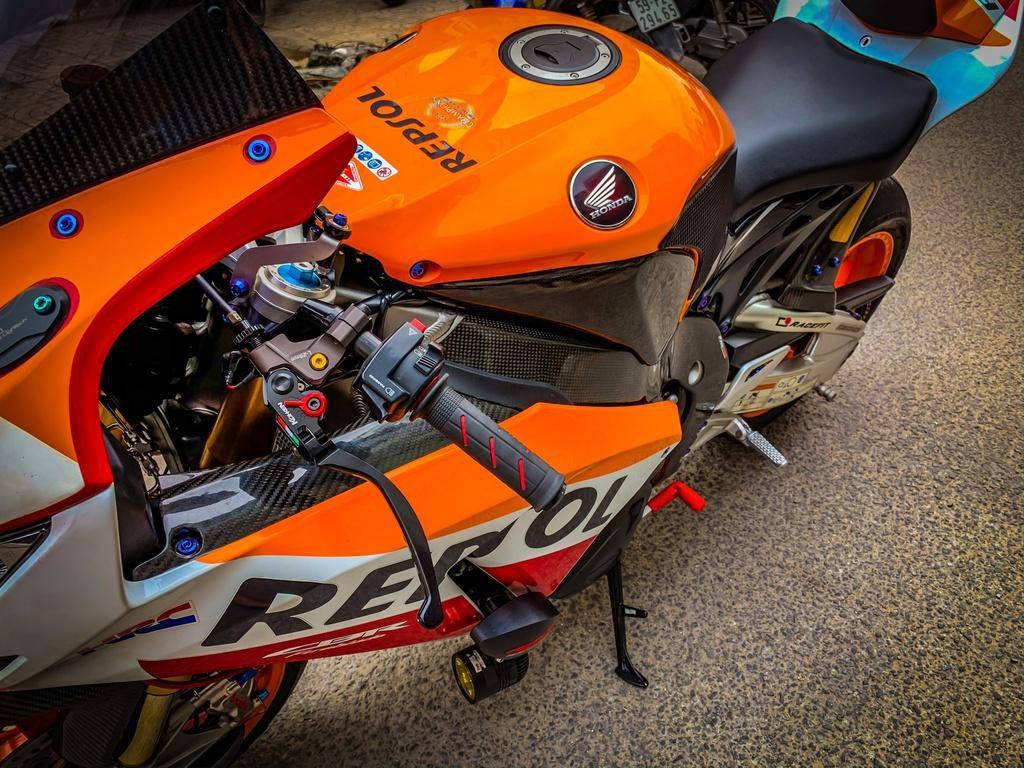 Honda CBR1000RR lột xác với trang bị thửa từ xe đua MotoGP Ảnh 4