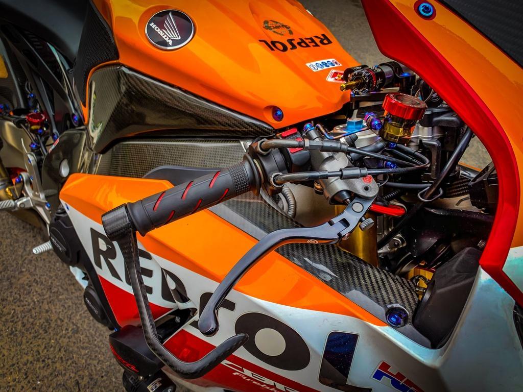 Honda CBR1000RR lột xác với trang bị thửa từ xe đua MotoGP Ảnh 5