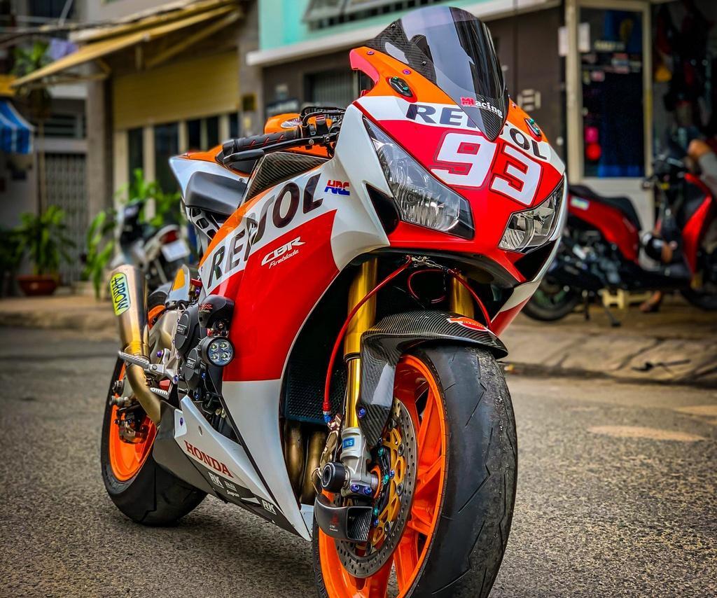 Honda CBR1000RR lột xác với trang bị thửa từ xe đua MotoGP Ảnh 6