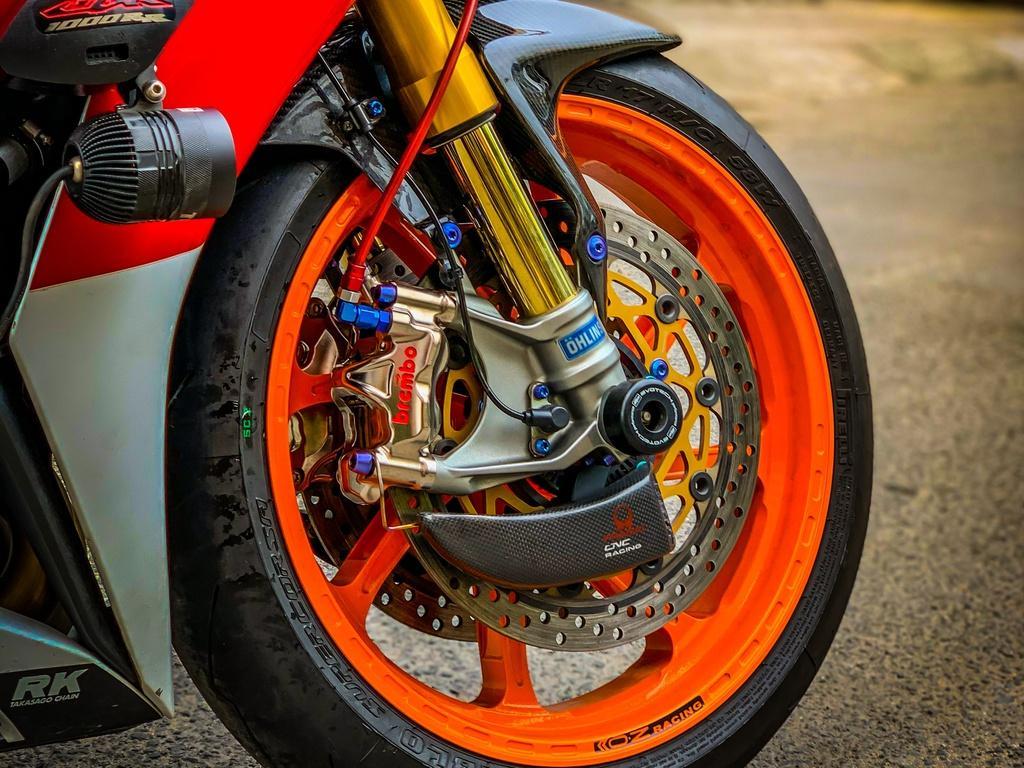 Honda CBR1000RR lột xác với trang bị thửa từ xe đua MotoGP Ảnh 7