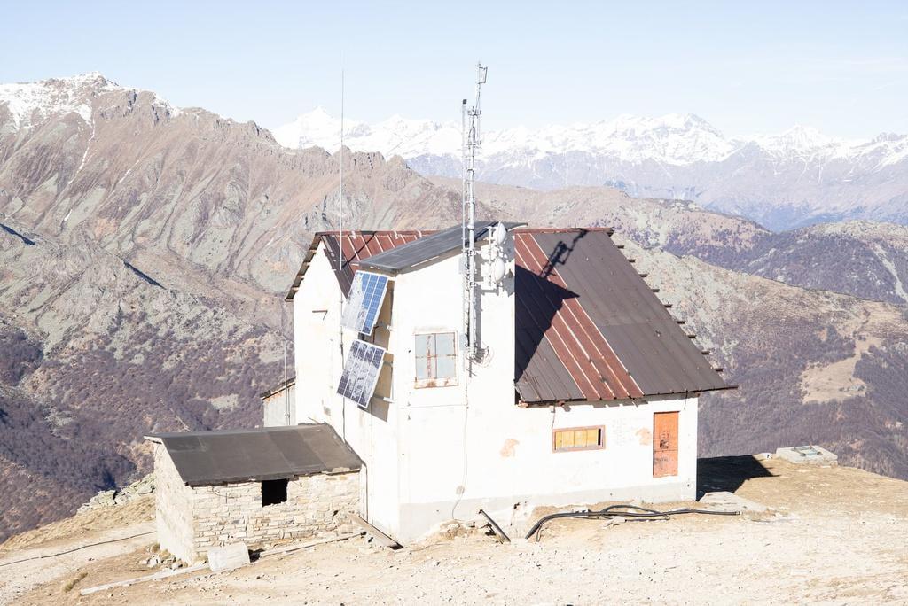 Khu trượt tuyết trên dãy Alps biến thành 'làng ma' vì biến đổi khí hậu Ảnh 2
