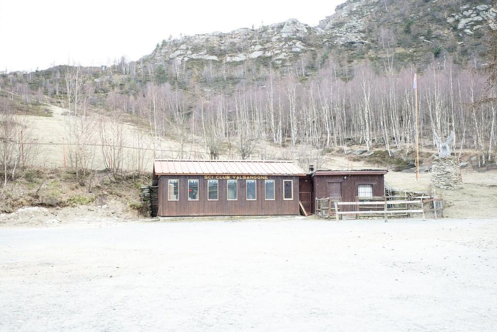 Khu trượt tuyết trên dãy Alps biến thành 'làng ma' vì biến đổi khí hậu Ảnh 8