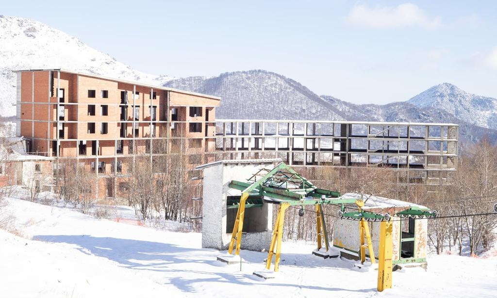 Khu trượt tuyết trên dãy Alps biến thành 'làng ma' vì biến đổi khí hậu Ảnh 1
