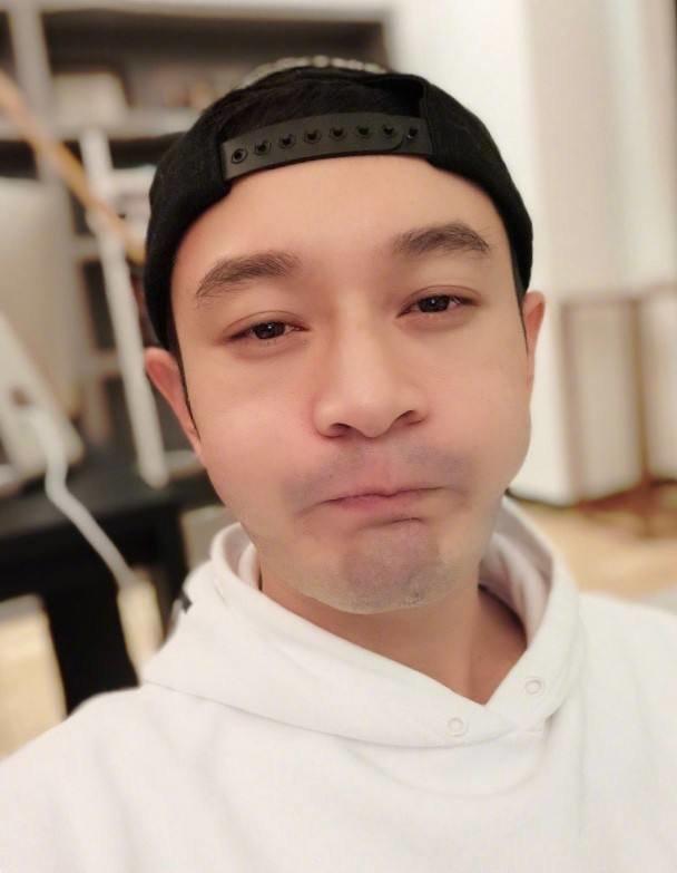 Kỹ thuật selfie của Huỳnh Hiểu Minh 'bị chê bai', đồng nghiệp khổ tâm làm giáo trình hướng dẫn Ảnh 9