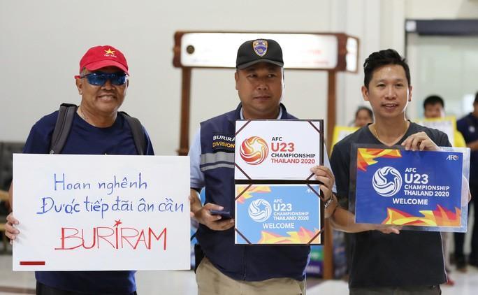 HLV Park Hang-seo nhờ cảnh sát Thái Lan ngăn quay phim, chụp ảnh ở khách sạn Ảnh 4