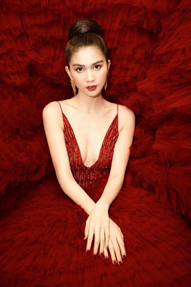 Ngọc Trinh diện đầm đỏ lộng lẫy, hóa nàng công chúa Lọ lem khiến mọi ánh nhìn 'tê liệt' Ảnh 8