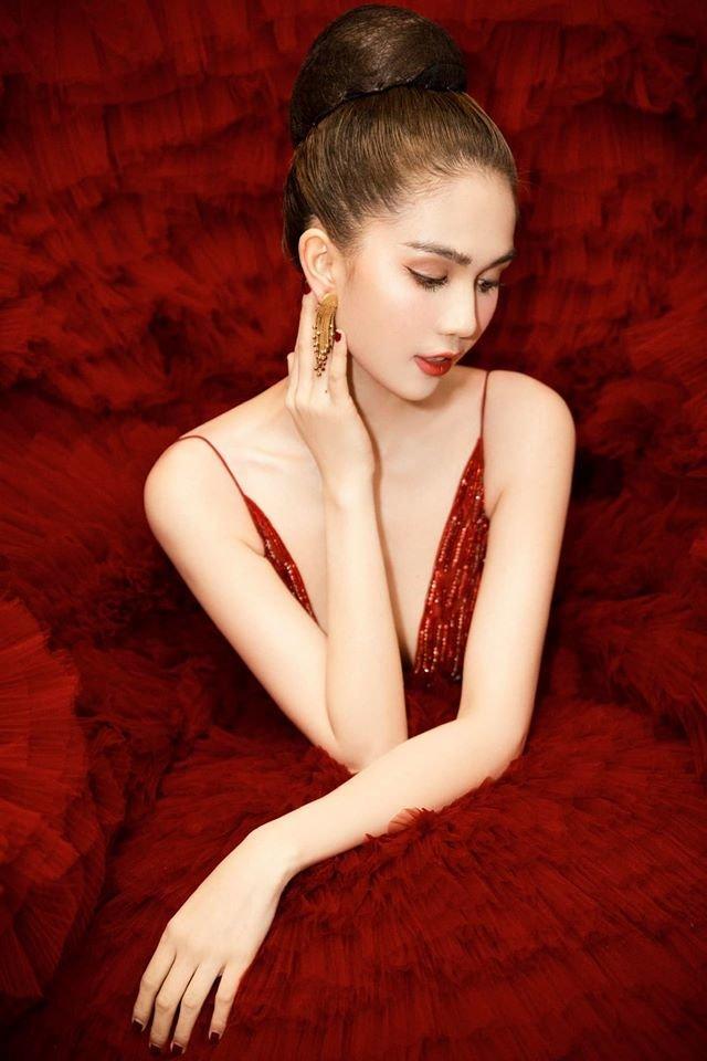 Ngọc Trinh diện đầm đỏ lộng lẫy, hóa nàng công chúa Lọ lem khiến mọi ánh nhìn 'tê liệt' Ảnh 7
