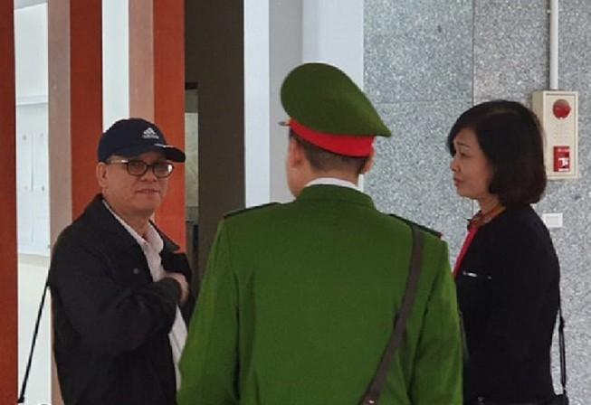 Ông Trần Văn Minh: Nếu không đúng, tôi sẽ trả lại bằng tiến sĩ Ảnh 1
