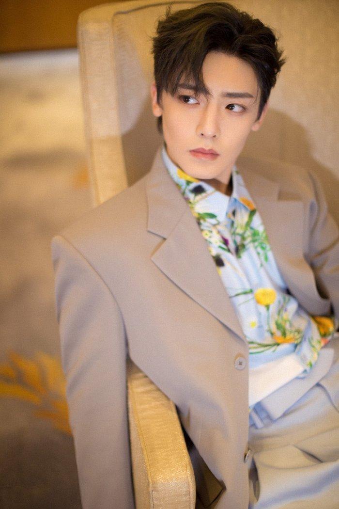 Sự kiện Thời trang nam Louis Vuitton Xuân - Hè 2020 : Ngô Diệc Phàm - Phạm Thừa Thừa cuốn hút, Châu Dã - Lý Uyển Đồng mỗi người một vẻ Ảnh 29