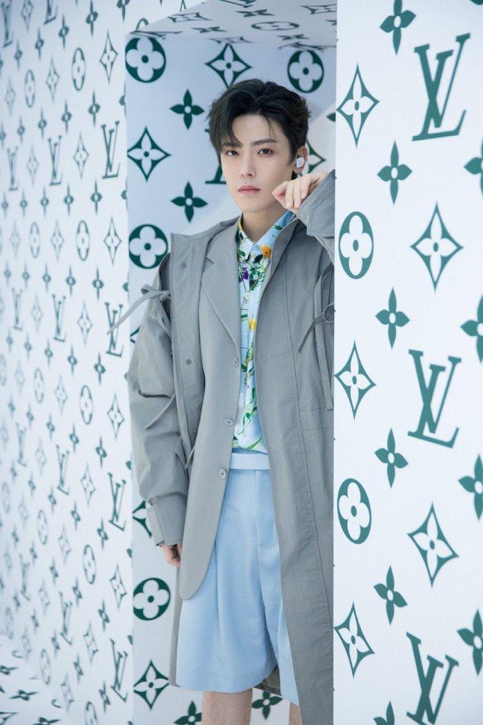 Sự kiện Thời trang nam Louis Vuitton Xuân - Hè 2020 : Ngô Diệc Phàm - Phạm Thừa Thừa cuốn hút, Châu Dã - Lý Uyển Đồng mỗi người một vẻ Ảnh 31