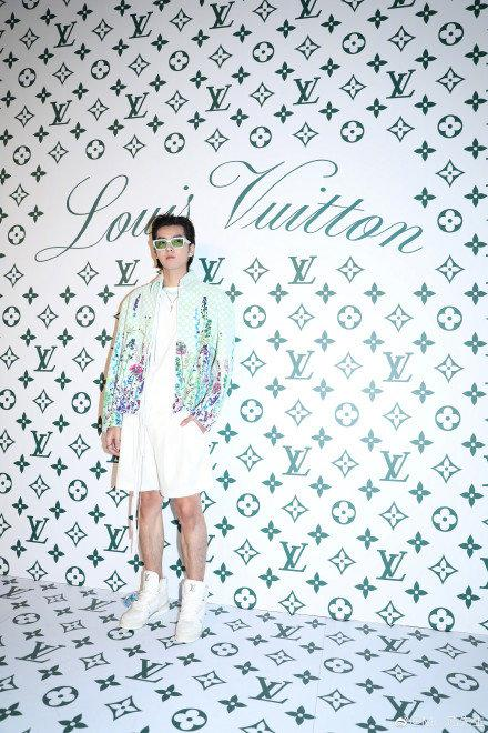 Sự kiện Thời trang nam Louis Vuitton Xuân - Hè 2020 : Ngô Diệc Phàm - Phạm Thừa Thừa cuốn hút, Châu Dã - Lý Uyển Đồng mỗi người một vẻ Ảnh 15