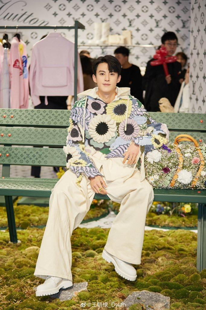 Sự kiện Thời trang nam Louis Vuitton Xuân - Hè 2020 : Ngô Diệc Phàm - Phạm Thừa Thừa cuốn hút, Châu Dã - Lý Uyển Đồng mỗi người một vẻ Ảnh 23