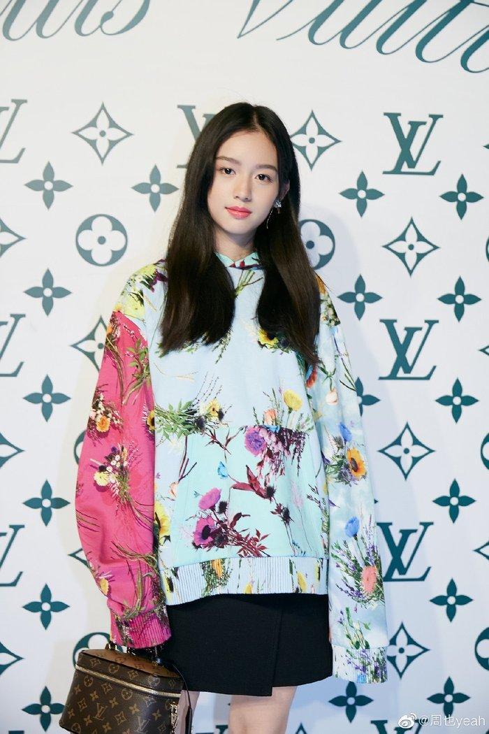 Sự kiện Thời trang nam Louis Vuitton Xuân - Hè 2020 : Ngô Diệc Phàm - Phạm Thừa Thừa cuốn hút, Châu Dã - Lý Uyển Đồng mỗi người một vẻ Ảnh 17