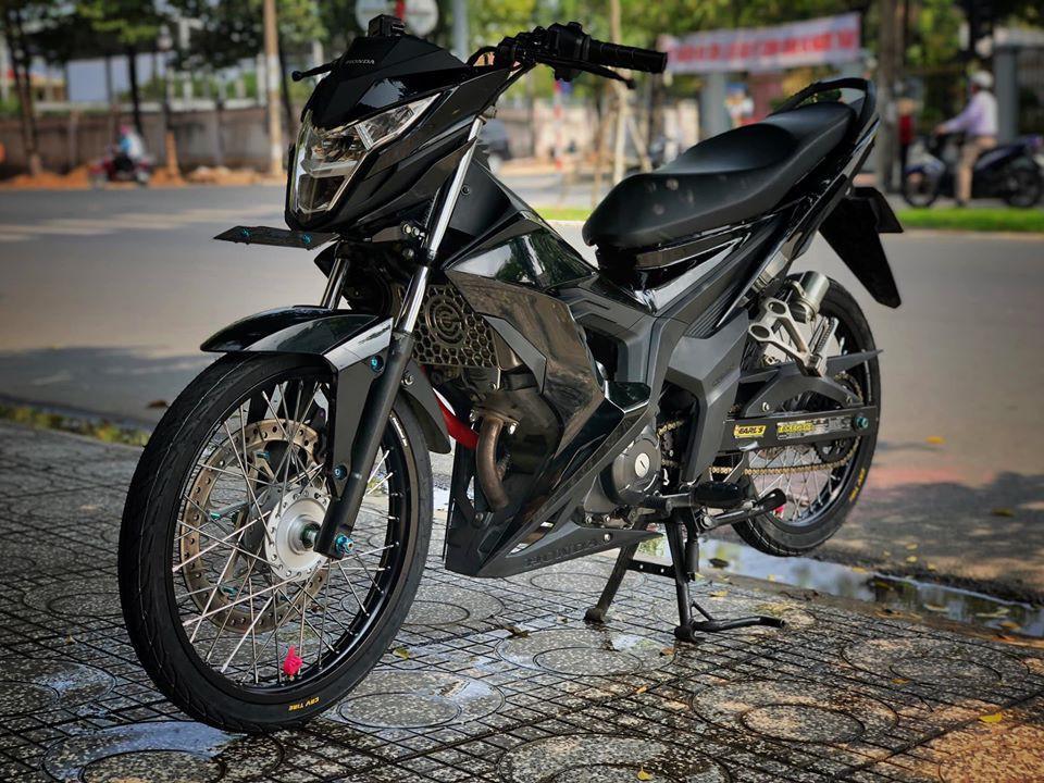 Honda Sonic 150 độ đẹp hú hồn với tông màu đen đơn giản Ảnh 5