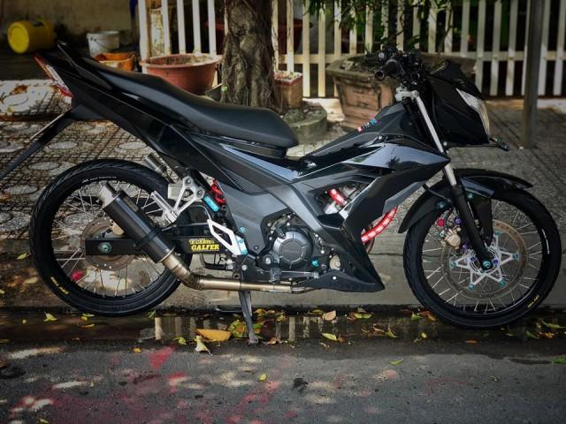 Honda Sonic 150 độ đẹp hú hồn với tông màu đen đơn giản Ảnh 1