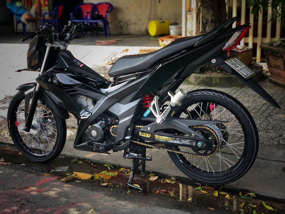 Honda Sonic 150 độ đẹp hú hồn với tông màu đen đơn giản Ảnh 4